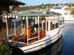 Lake Union tour boat at Center for Wooden Boats
